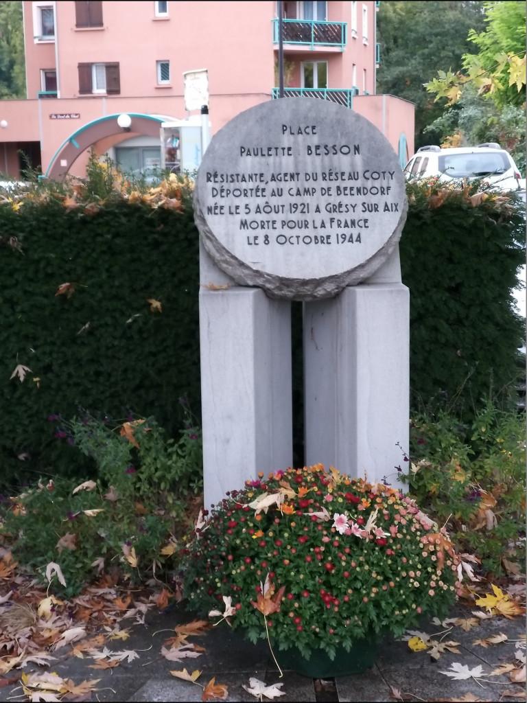 Grésy-sur-Aix, stèle à la mémoire de Paulette Besson