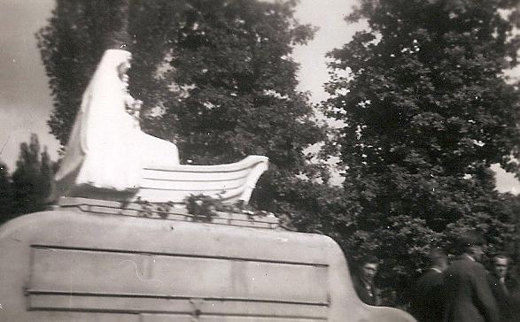 La vierge nautonière en route (archive Kronos)