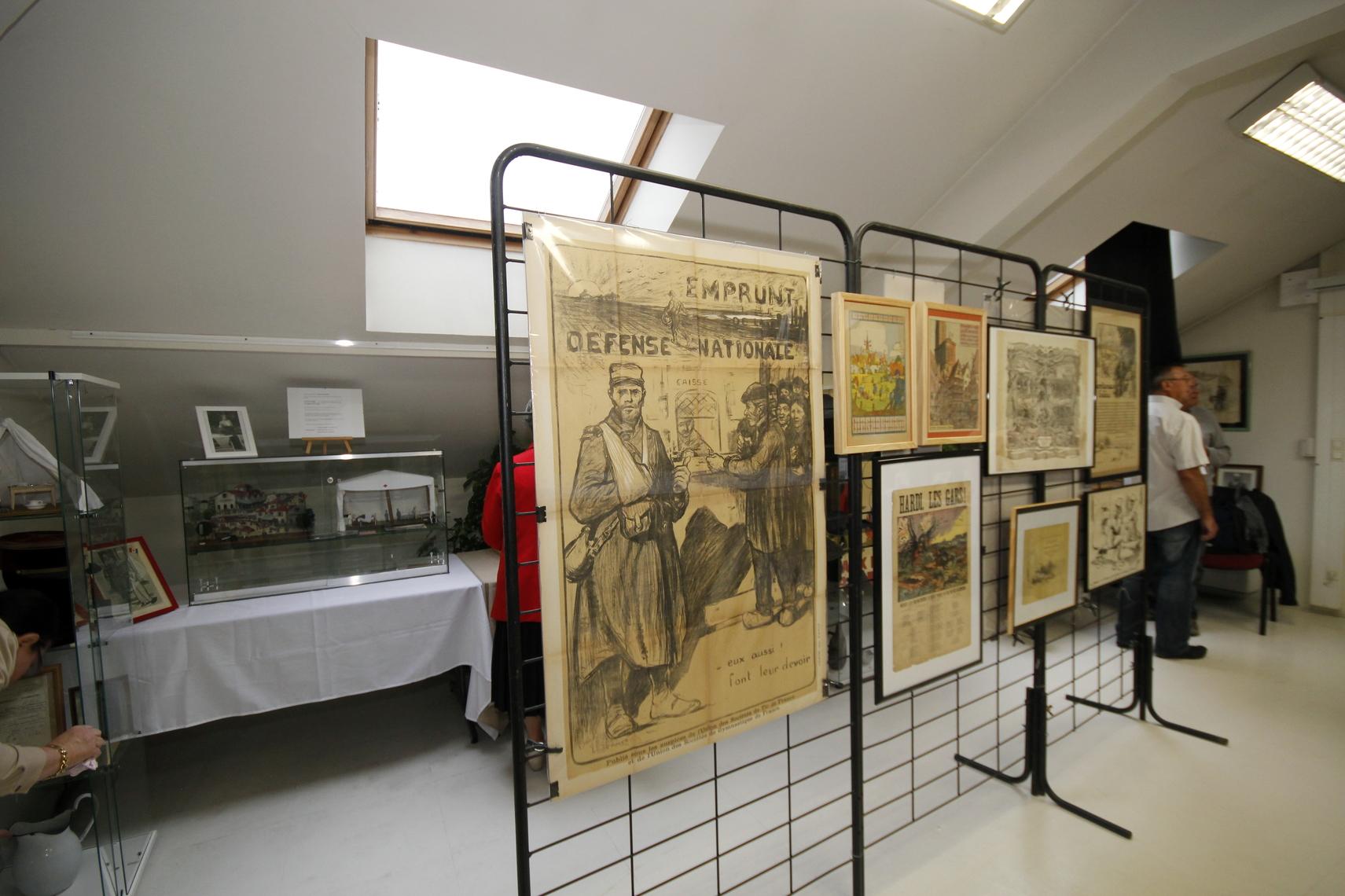 Durant la Grande Guerre, de nombreux artistes mettent leur art au service de l'État. Ici pour l'un des nombreux emprunts de la Défense Nationale.