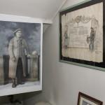 Portrait de Francisque Bogey (tableau prêté par la famille). À gauche, les citations à l'ordre de l'Armée du caporal Joseph Picon (archives familiales). Retrouvez dans « Se souvenir ensemble » les commentaires de ces documents.